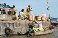 Lebendige Atmosphäre auf dem Mekong